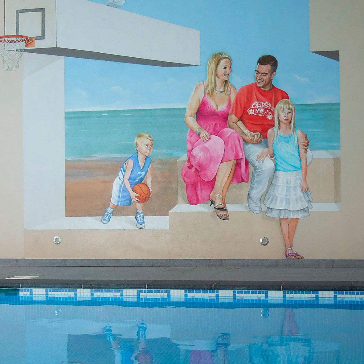 Fresque familiale en bord de piscine en Belgique. Fresque de Roland Perret. illusions-murales.com