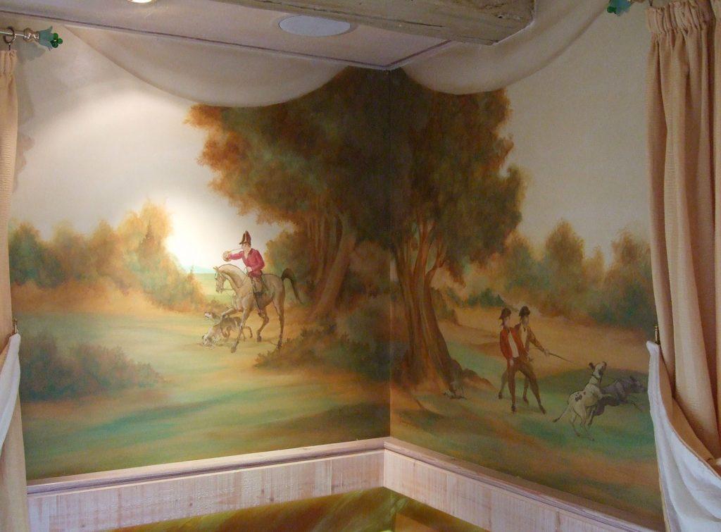 Décor du restaurant le Cheval noir à Kilstett. Fresques de Roland Perret  illusions-murales.com