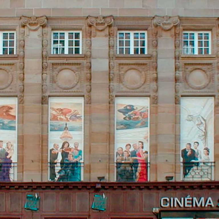 Cinéma St Exupéry à Strasbourg. Fresque de Roland Perret. illusions-murales.com