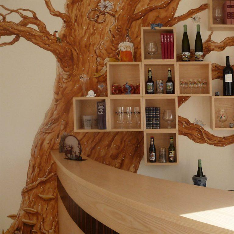 Décor de bar dans le style de la Nalsace de Roland Perret. illusions-murales.com